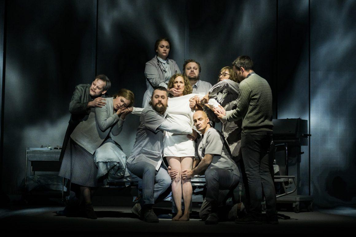 Bildergebnis für stadttheater klagenfurt koma